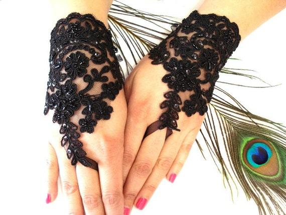 Wedding Gloves, Black Lace gloves, Fingerless Gloves, Black wedding, off cuffs, cuff wedding, bride, bridal gloves, Bridal cuffs