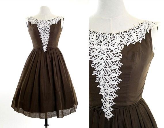 50% SALE vintage 50s/60s sundress // brown housewife dress