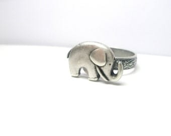 Elephant  Ring -  Good luck ring -  Adjustable ring - Vintage style