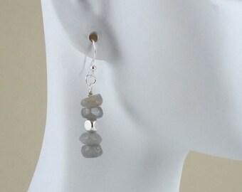 Labradorite earrings. Simple and elegant