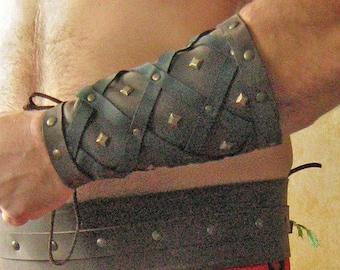 Medieval Armor Celtic Viking Bracers Deluxe