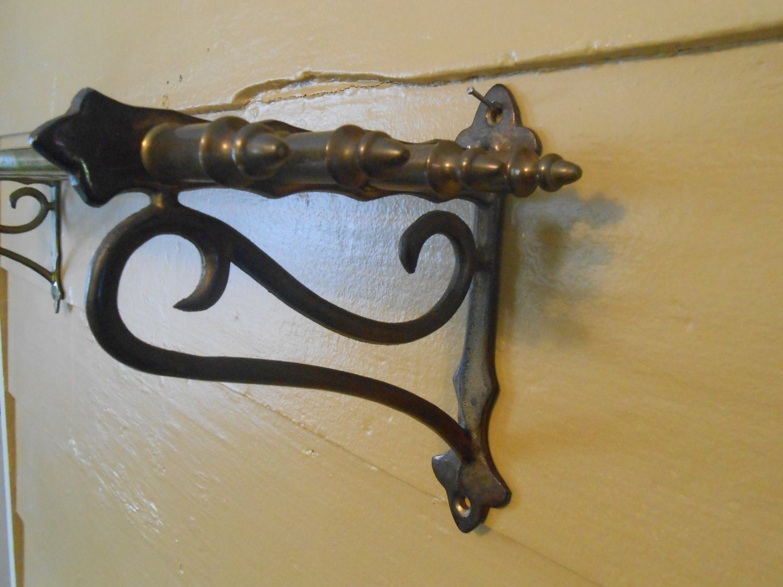 Vintage Metal Wire Wall Shelf