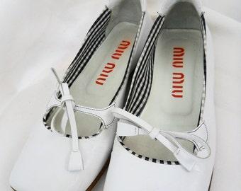90s authentic MIU MIU bow tie square toed flats/white with B & W gingham accent: Italy 36.5 /US 6