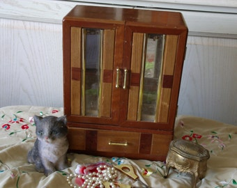 Sweet Different Jewelry Box Music Box / Not Included i n Any Discount Sales  :)