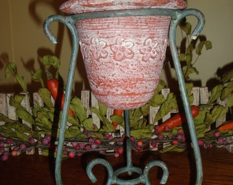 Handcrafted Clay Vase With Iron Pedestal Base