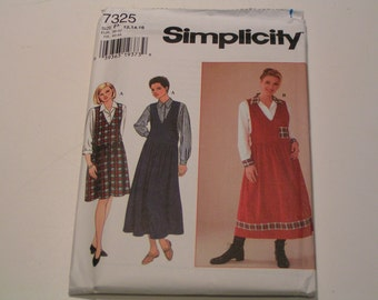 Simplicity Pattern 7325 Miss Blouse and Jumper