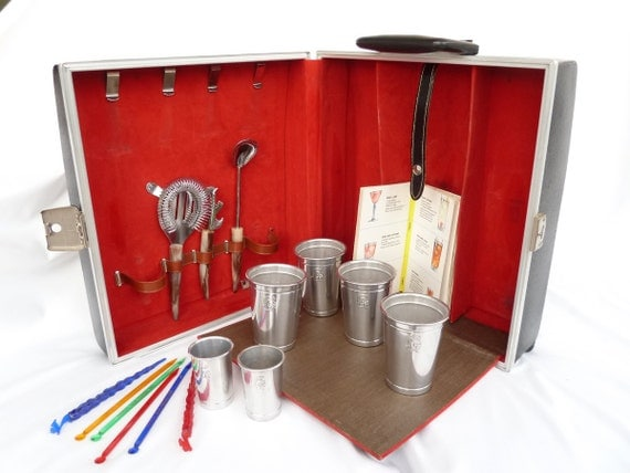 Mad Men Travel Bar  /  Mid Century Picnic Cocktail Set  /  Mixer's Manual & Swizzle Sticks