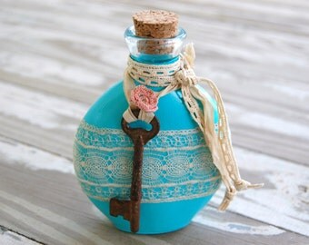 Repurposed bottle with key and lace -  french farmhouse - Paris french blue