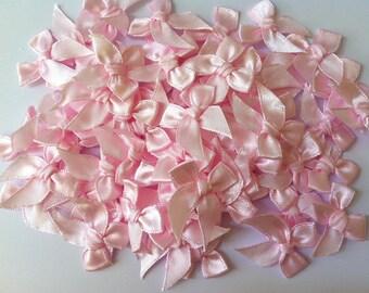 100 Pcs Satin Ribbon Bow Applique Embellishment Light Pink Bows appliques