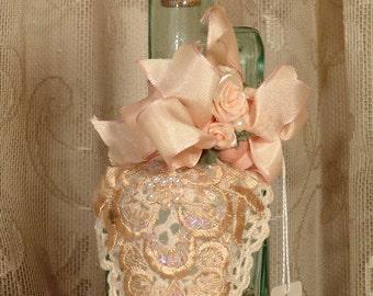 Peaches & Cream Victorian Perfume Bottle / Cruet Keepsake - Vintage Style No.23