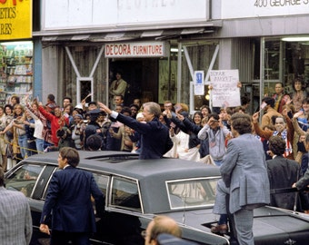 Vintage Historical Photograph, Jimmy Carter Campaigns in New Jersey, 1980 12x8