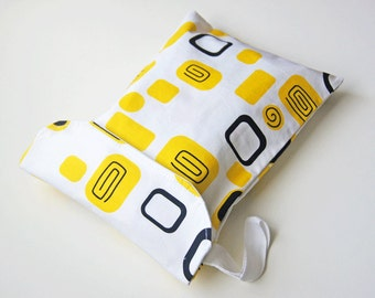 Diaper & Wipes Wristlet / Diaper Pouch / Diaper Clutch - Geometric Shapes Frames