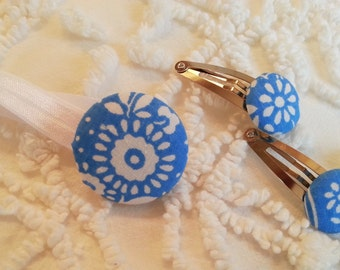 new pony tail hair holder clip SET shabby chic VINTAGE big covered BUTTON blue flower fabric elastic hippie cottage gift
