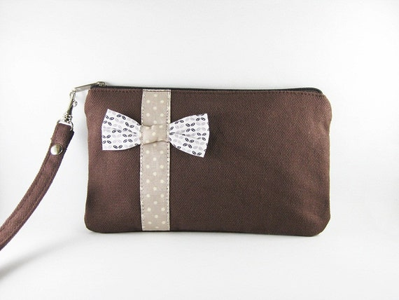 Little Bow Brown Clutch - iPhone 5 Wallet,iPhone 5 Wristlet, iPhone Wristlet,Cell Phone Wristlet,Zipper Pouch,Wristlet