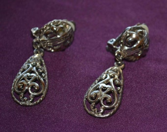 Vintage Large Silver Tone Filigree Clip on Earrings