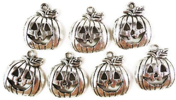 Jack O Lantern Charms 18x15mm Antique Silver Tone Metal Pumpkin Charms Halloween Charms Jack O Lantern Pendants Jewelry Making Findings 10pc
