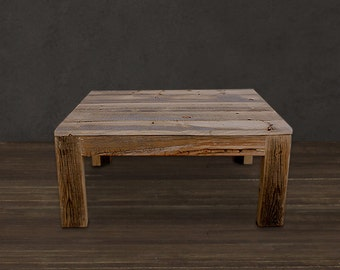 Reclaimed wood coffee table - Solid wood construction