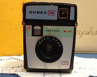Vintage  Imperial Cubex 4 camera