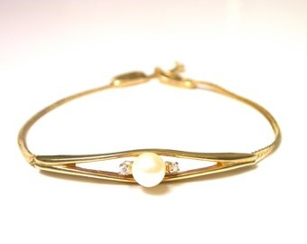 Gold Tone Mock Pearl and Diamond Bracelet - Single Pearl and Cubic Zirconia # 1197