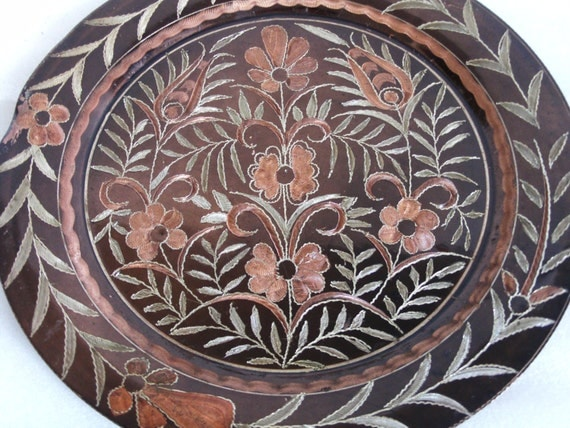Wall Hanging ETCHED Copper Vintage PLATE. Tulip Daisy Leaves