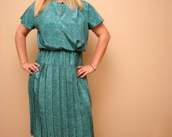 Vintage Dress Green with Black 80s Pattern Ladies Retro Pleated Short Sleeve Dress Size Medium 6