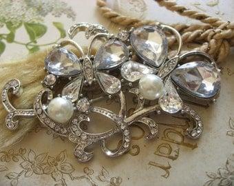 Garden butterflies pearls and Swarovski rhinestone crystals brooch pin, bridal brooch, wedding brooch, bridesmaids gift