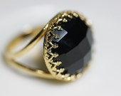 Black onyx ring. Black ring. Onyx ring. Black and gold ring. Gemstone ring with onyx. Faceted onyx golden ring - nonnasoul