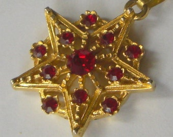 Vintage Victorian Style Filigree Ruby Red Rhinestone Star Pendant Necklace 1970's