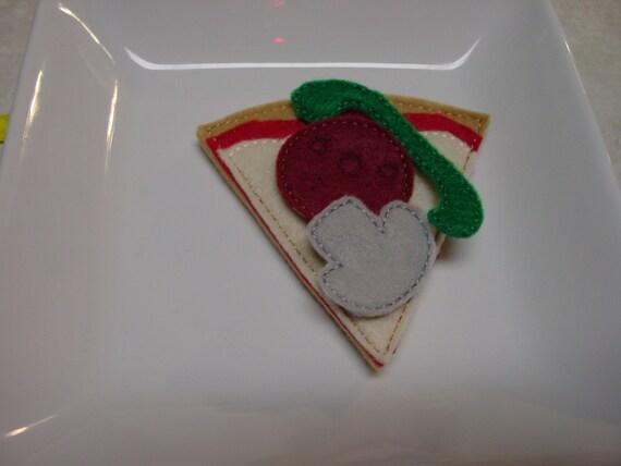Felt Food - 4 Piece Pepperoni, Mushroom, & Green Pepper Pizza Slice Felt Play Food Set