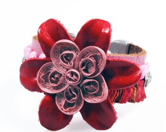 Leather cuff pink red with big flower, hippie bracelet Ibiza style, woman gift OOAK, leather jewelry handmade - SALE from eur 42,95