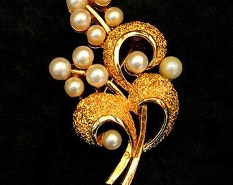 Vintage 1960s Crown Trifari Faux Pearl Floral Brooch Pin
