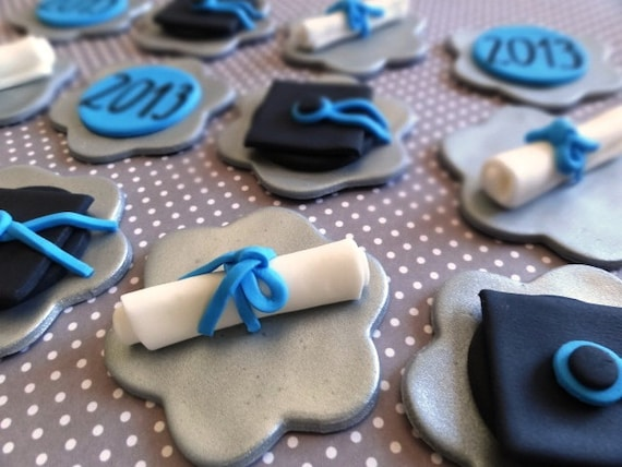 12 Fondant edible cupcake toppers, graduation, diploma, diploma hat, class of 2016, fondant graduation,university, high school