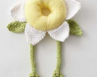 easy knitting pattern for baby daisy comforter .. photo prob  toy gift