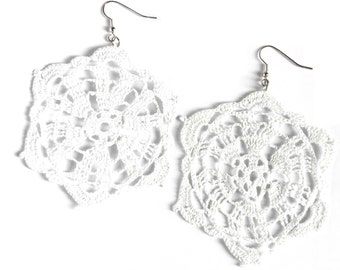 White crochet earrings, total white look, romantic doily, vintage inspiration, delicate wedding, simply elegant - basic collection