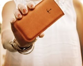 ElektroPulli for your iPhone 4 out of leather with anchor in light brown