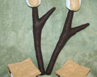 Set of 4 Felt Campfire Accessories- S'mores & Roasting Sticks with Marshmallows