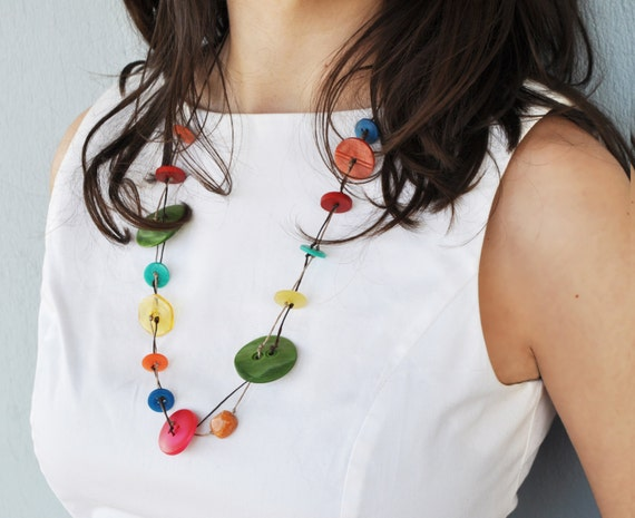 Button strand necklace - Colorful button necklace with waxed thread - Strand necklace - egst - europeanstreetteam