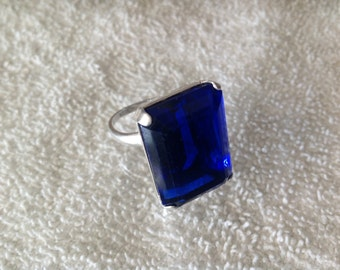 Vintage Uncas Sterling Silver Ring with Blue Crystal stone