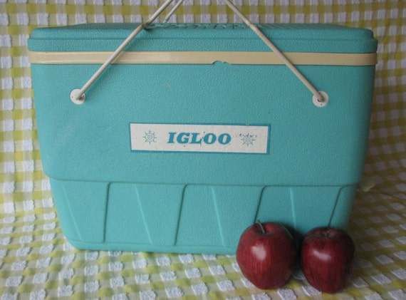 Vintage Igloo Cooler Turquoise Aqua Picnic Ice Chest