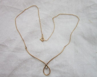 Petite 14K Gold Filled Avon Necklace & Pendant Lovely