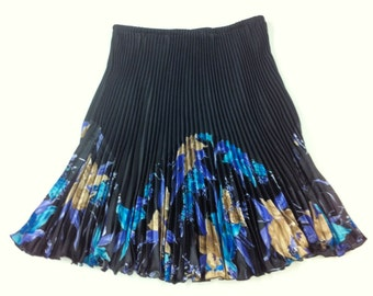 Black Pleated Skirt with Pleated Print