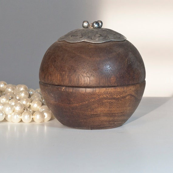 Round Decorative Boxes: Round Jewelry Box Vintage Wooden Indian Jewelry By