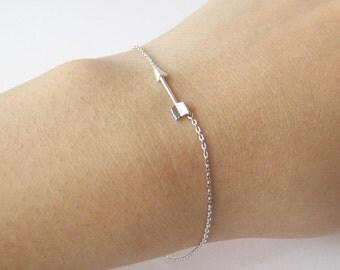 Tiny arrow bracelet - silver