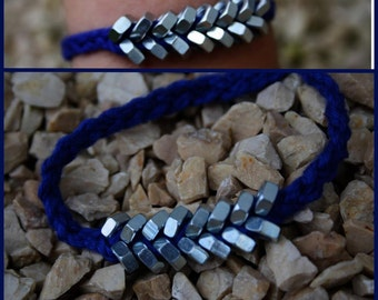 Fancy nuts with clasp bracelet
