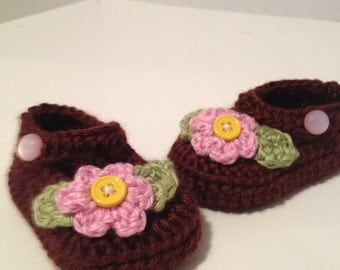 Crochet baby booties, Maryjanes, 0 to 3 Months