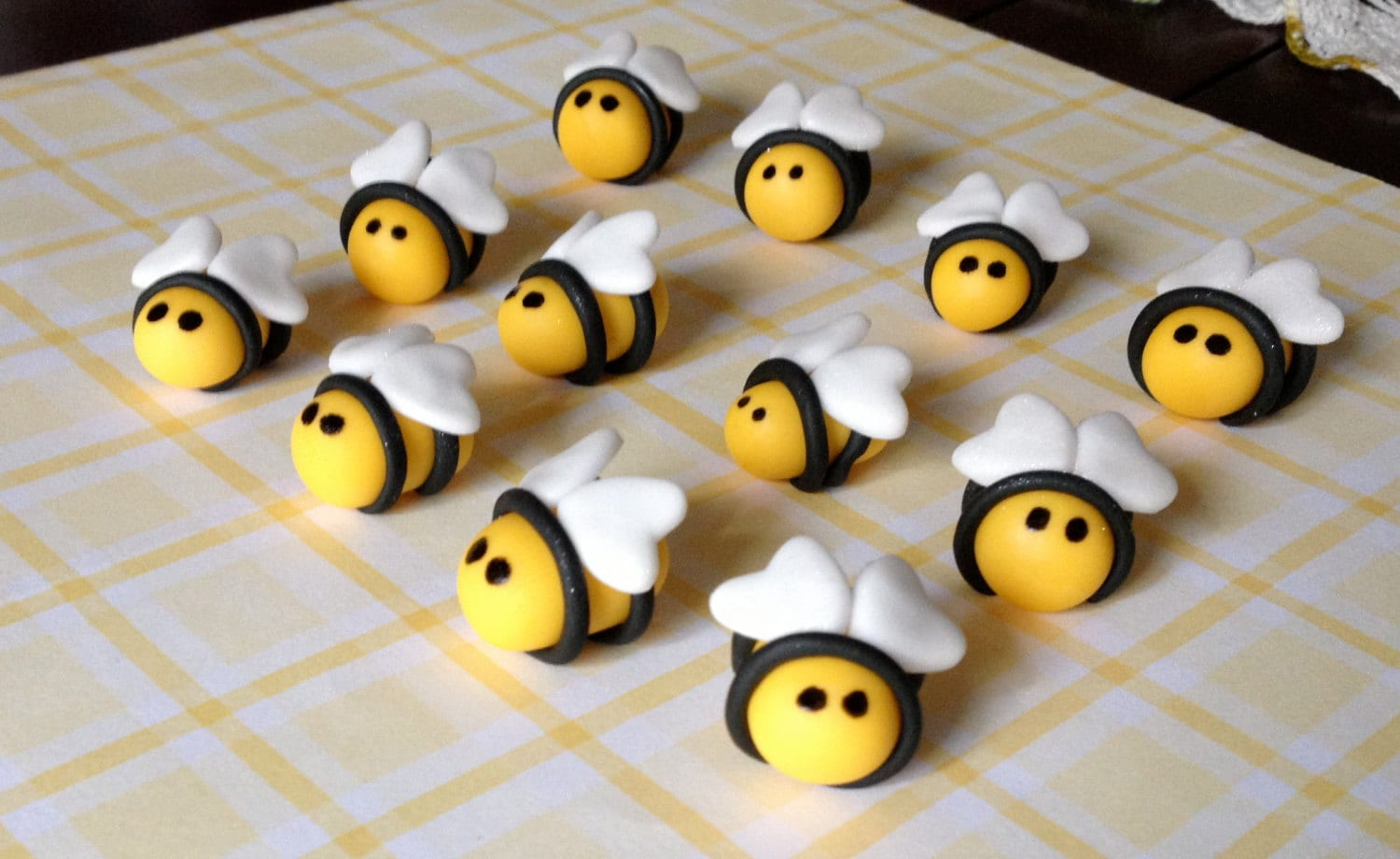 3D Edible Fondant Bee Cupcake/Cake Toppers by ...