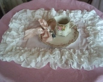 set of ruffled placemats