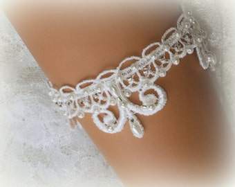 Light Ivory Lace Bridal Bracelet / Wedding Lace Bracelet / Bridal Wrist Cuff