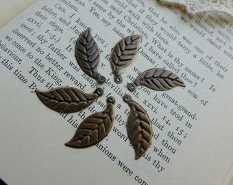 20x Leaf Charms, Antique Brass Pendants, Necklace, Bracelet, Earring C372