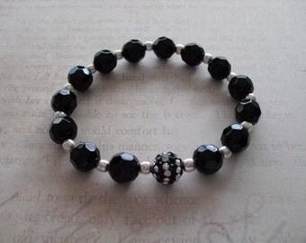 Elegant black and clear rhinestone bracelet